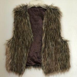 Jackets & Blazers - Fuzzy faux fur vest
